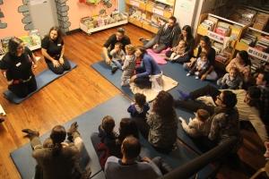 Plano xeral da sesión do Bebencontro na Biblioteca Infantil e Xuvenil