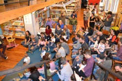 Familias asistentes á Festa final dos Bebencontros da Biblioteca Infantil
